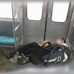 【スカッとする話】マナー最悪な登山客が多いローカル路線。ある日、一人の登山客が荷物を枕にドアをふさいで熟睡してた。残業でヘトヘトだった私はブチ切れて・・・