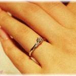 【婚約破棄】A先輩と私はあまり仲がよくなかったけど、しばらくして私はA先輩と同期のBと婚約。婚約指輪を買ってもらったんだけど、決まった日にちでもあるのか、渡してはもらっていなかった。すると数日後の月曜日、A先輩がその指輪を付けていて……