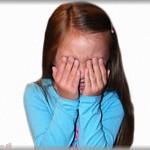 【DQN】娘が泣いて帰ってきたのでわけを聞くと、同級生の男の子にからかわれたという。何言われたの?と聞くと「ママが毎日パパのオマタで遊んでるって言うの~!」