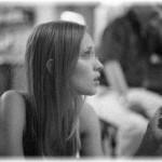 【一人コント】新婚の頃は義実家に同居していたんだけど、夫の姉は本人はいい女のつもりらしいが変な人。リビングで義姉と二人きりになった時、ソファーにどっかり座ってタバコをフーって天井に吐いたかと思ったら・・・