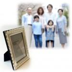 父が見つめていた家族写真を思って…